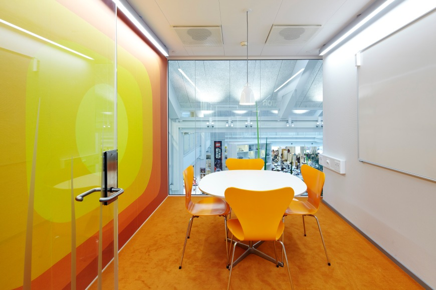 Yellow Meeting Room_photo_AndersSuneBerg